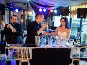 show barmańskie na weselu