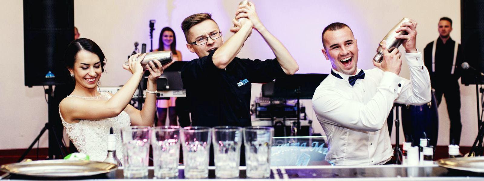 Doświadczony barman to doskonałe urozmaicenie eventu