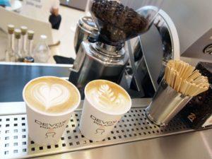 kawa na targi z logo firmy